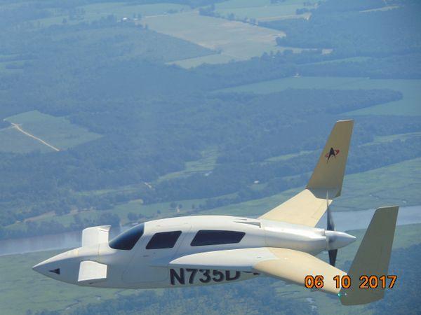 N735D 1.jpg