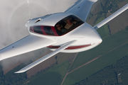 Velocity 427VA Air to Air Osh 09 038.jpg